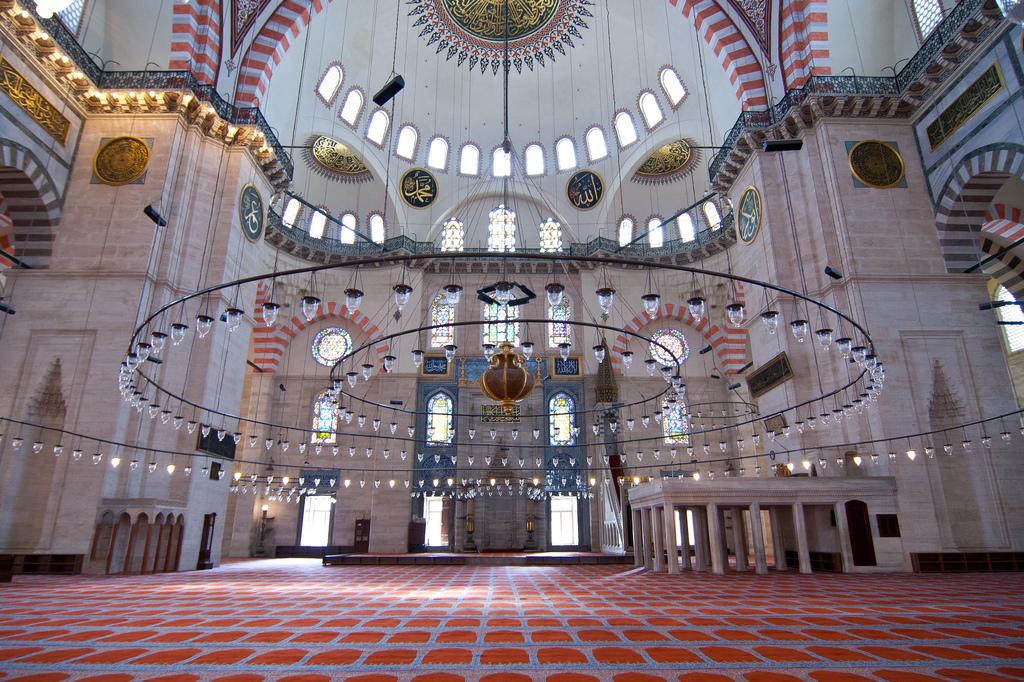 Interior of Suleymaniye Mosque (Süleymaniye Camii) of Istanbul